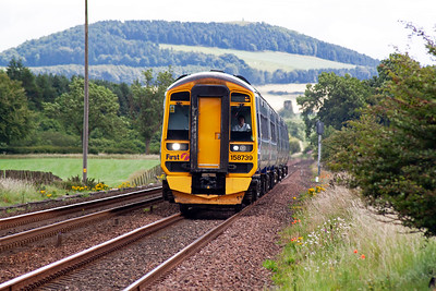 Another timetabled working is strengthened with a sprinter and turbostar combination. 158739 leads 170402 on 1L60 1034 off Dundee to Edinburgh.