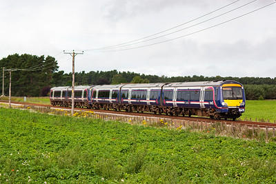 The trains were coming fast and very frequently with some trains running out of course. This is 1A55 0933 from Edinburgh to Aberdeen formed with 170429 and 170395, strengthened for the golf.