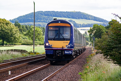 The sun has dipped slightly as 170412 and 170475 approach with a timetabled strengthened service from Aberdeen to edinburgh, 1B18 0907 off.