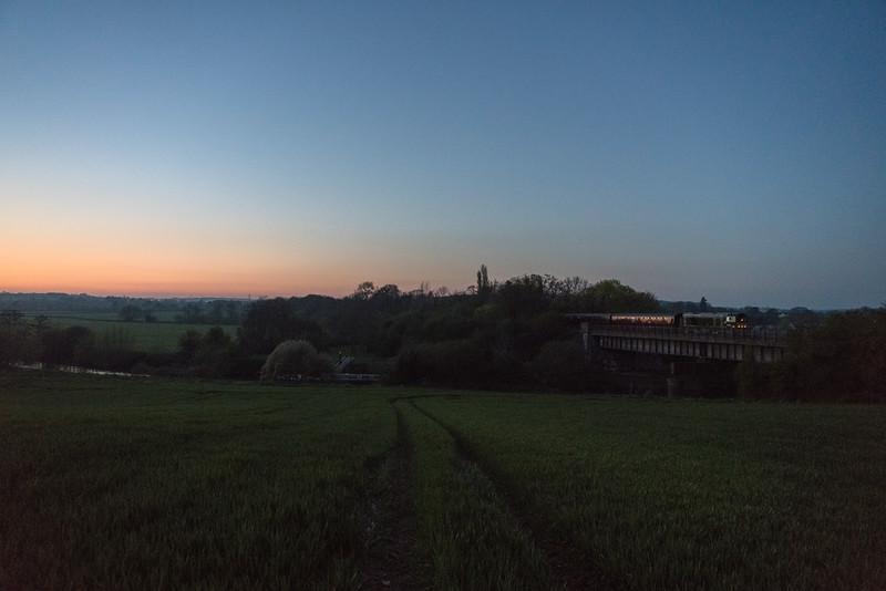 20059 (d8059) approaching Avon Riverside at dusk on the 'beer-ex' during Avon Valley Railway's Diesel gala 8/4/17