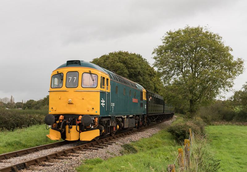 33202 'Dennis G Robinson' near Ashey at the Isle of Wight Diesel Gala 30/9/17