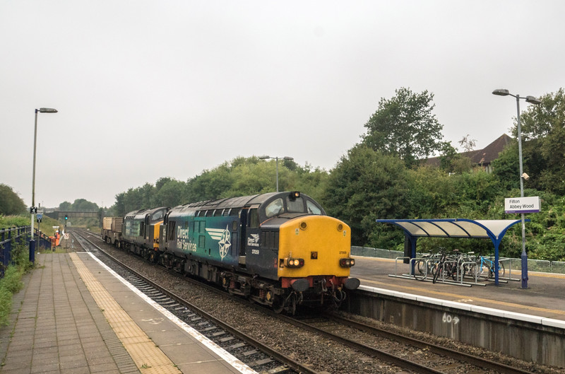 37059+37605 past Filton  on 6m63 Bridgwater - Crewe 25/8/16