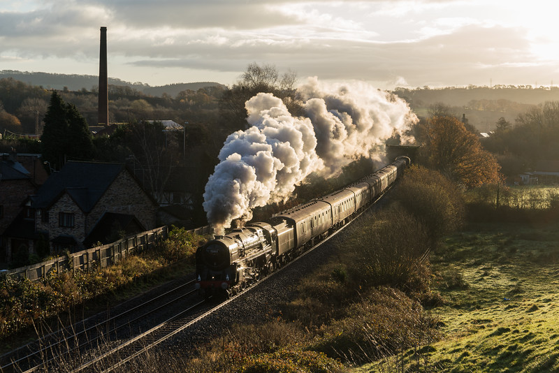 70013 'Oliver Cromwell' 'The Christmas Cheshireman'  past Ponthir. 25/11/17