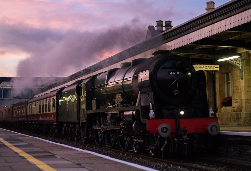 46100 'Royal Scot'  on 'The Cotswold Venturer' past Stroud 28/10/17