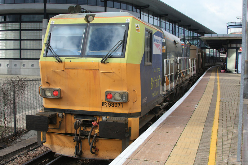 DR98921 + DR98971 Windhoff MPV arrive at Ashford working one of Kents RHTT circuits 12.10.11