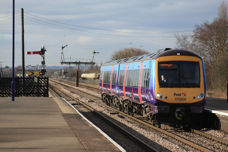 170302 arrives with a train to Cleothorpes 15.02.12
