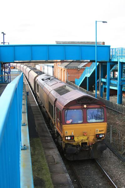 66197 6D36 Milford West Sidings - Immingham empty coal HTAs 15.02.12