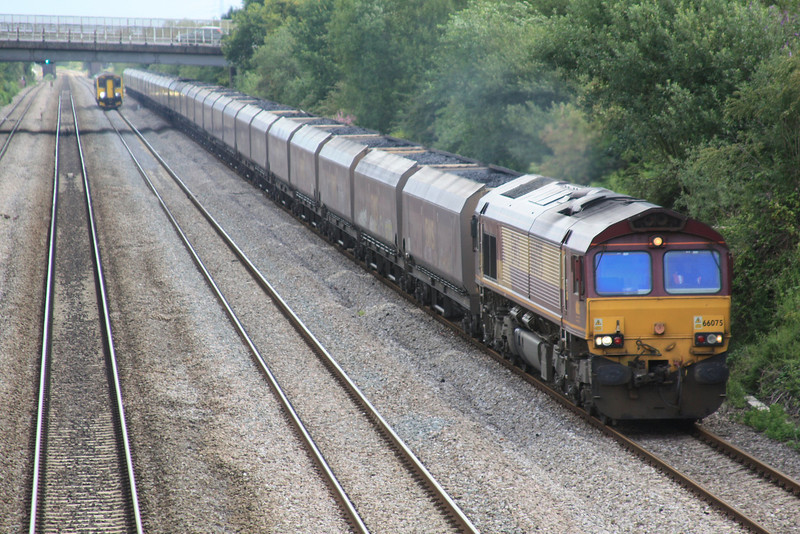 66075 6V67 Redcar - Margam loaded HTAs approaching Bishton 08.07.11