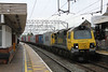 70007 4M93 Felixstowe North - Lawley Street FLT whips through the station 24.05.13