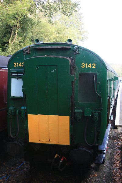 4-COR Unit No.3142 (Three coaches only: MBS S11161S; TS S10096S; TC S11825S) 16.10.11