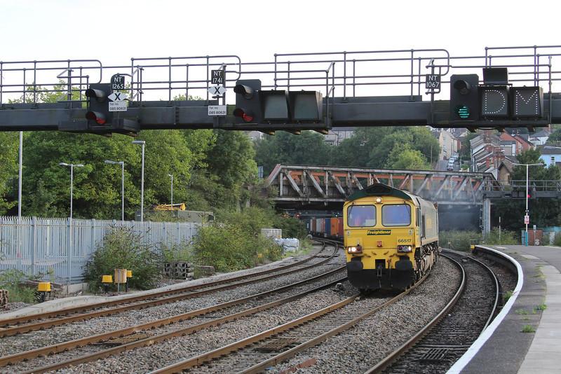 66517 4O57 Cardiff Wentloog - Southampton Millbrook approaches Newport 27.09.13
