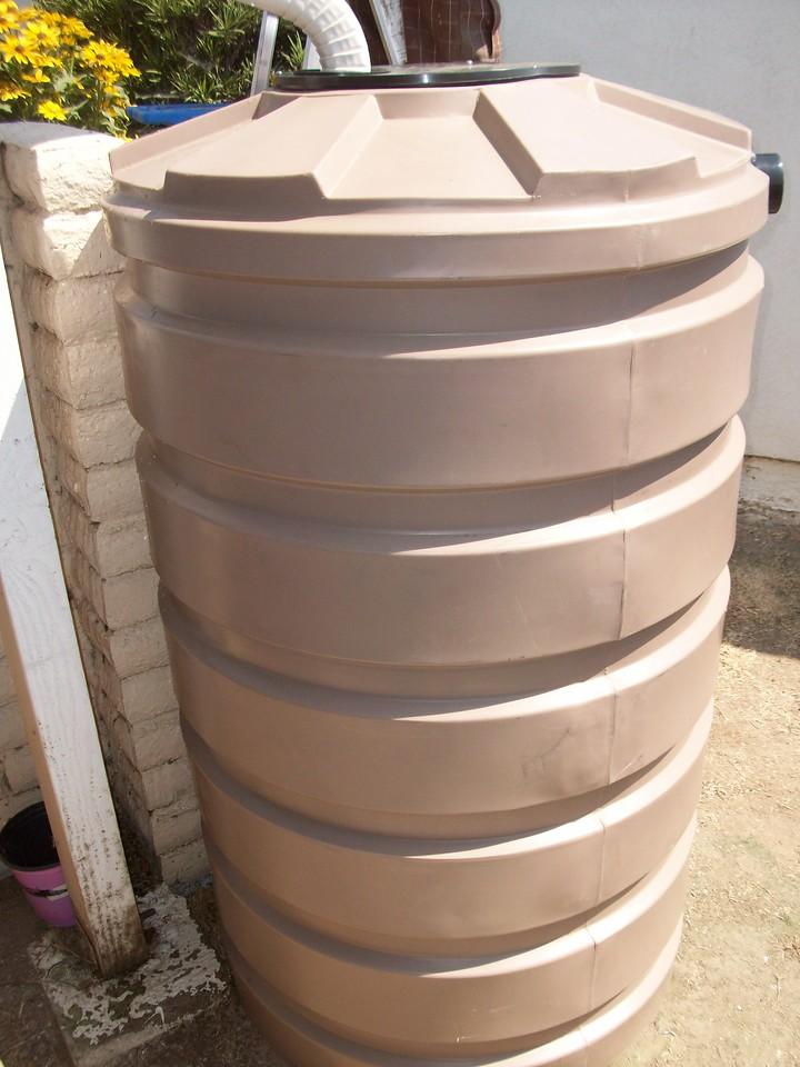 "Mocha brown is by far the most popular color of the Bushman round rain barrels.<br /> <br />  <a href=""http://www.rain-watersystems.com/"">http://www.rain-watersystems.com/</a>"