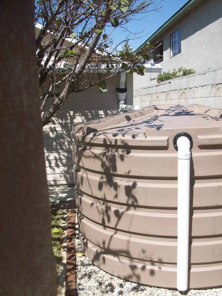 "1110 Bushman low profile cistern tank in Los Angeles, Ca. <a href=""http://www.rain-watersystems.com/"">http://www.rain-watersystems.com/</a>"