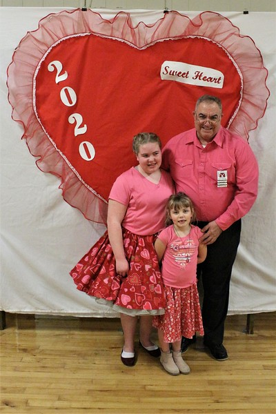 Gary Gerdes and granddaughters