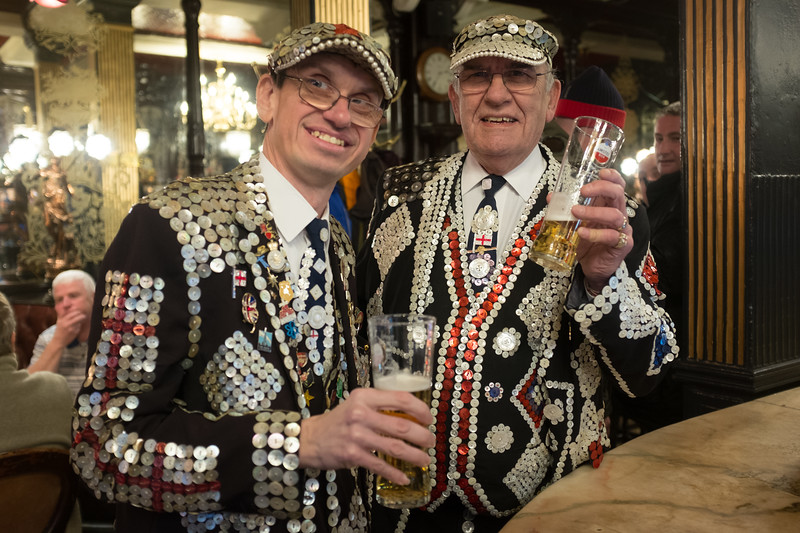 Popped in the Salisbury and met pearly king and prince of Finsbury, John and Darren