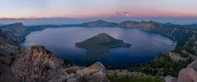 Sunsets as the Moon rises over Crater Lake