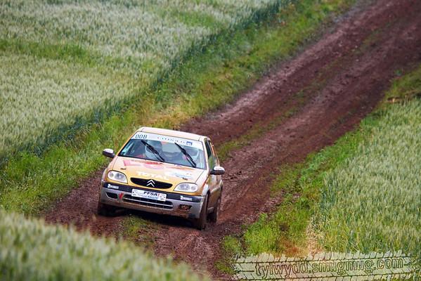 Equipage n°00B<br /> <br /> AMARRE Mickael <br /> MIQUEE Sébastien <br /> <br /> Citroën Saxo VTS