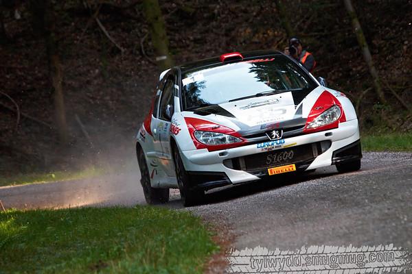 Equipage n°1<br /> <br /> MOUREY Steve<br /> MANCINI Sarah <br /> <br /> Peugeot 206 S1600