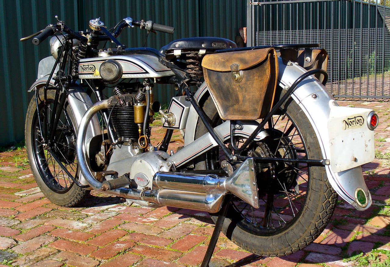 1927 Model 18 Norton. 500cc OHV.