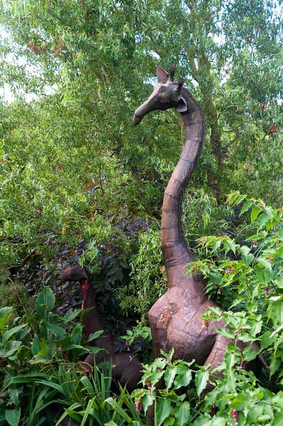 Giraffe scul[ture