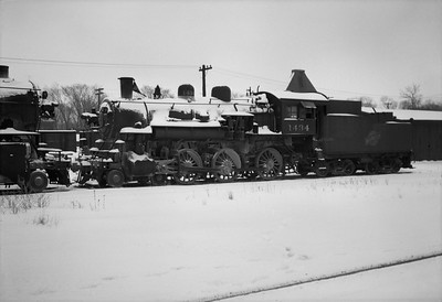 2021.001.NO.03.020--ralph wehlitz 6x9 neg [photographer unknown]--C&NW--steam locomotive 4-6-0 R-1 1434 (dead)--Antigo WI--no date
