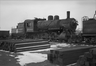 2021.001.NO.01.013--ralph wehlitz 120 neg [photographer unknown]--SOO--steam locomotive 4-6-0 E-24 2640 scene--Marshfield WI--no date