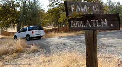 A law enforcement vehicle makes it's way down Bobcat Lane off of Fawn Lane in Rancho Tehama where several shootings occured in the community Tues. Nov. 14, 2017. Five people are dead including the shooter and ten people are injured. (Bill Husa -- Enterprise-Record)