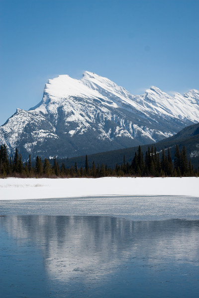 <b>8 April 2011</b> Mount Rundle from Vermillion Lakes