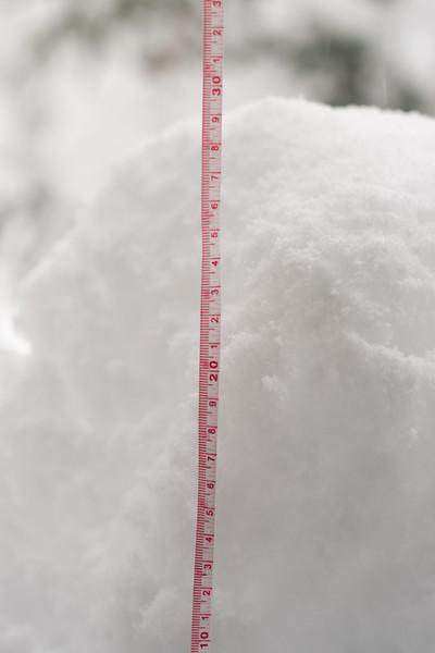 <b>29 April 2011</b> More snow!