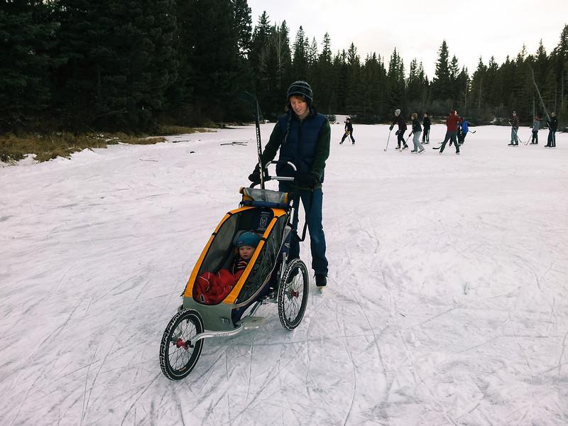 <b>Boxing Day 2011</b> Skating at the pond