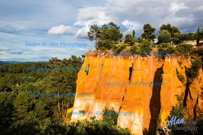 Ochre clifs, Roussillon, Vaucluse, France