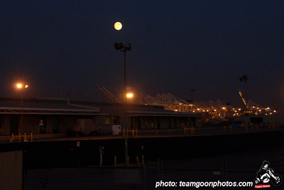 Port of Long Beach - Night time - September 2006 - Photo