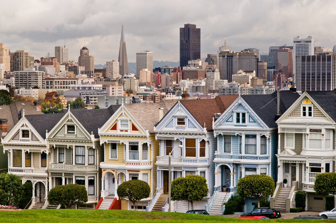 Day #15 - The Painted Ladies of Alamo Square<br /> <br /> Probably one of the most photographed landmarks of San Francisco.  Still couldn't help myself... had to give this one a shot while we were there.
