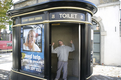 Irish public toilet pOwned!
