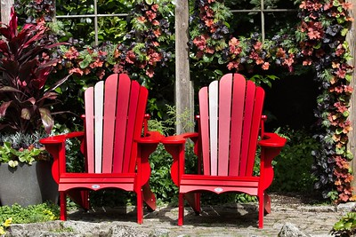2 RED CHAIRS