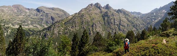 Da gauche à droite : Pics d'Anrodat et de la Coume d'Enfer, Cresta de Jucla
