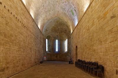Prieuré St Michel - Nef de l'eglise