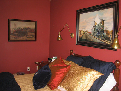 Artwork in the Somerset room is by artist Daniel Mulligan.