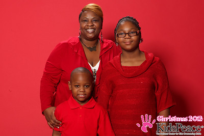 web_print_Kids-Peace_Christmas_2012_0124