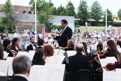 "The Fayetteville Symphony Orchestra and the Army Ground Forces Band of Ft. Bragg present their second annual free ""Symphonic Salute to the U.S. Armed Forces"" concert at Festival Park in Fayetteville, NC on Sunday, March 25th, 2014. Symphony_&_Armed_Forces_0002.JPG"