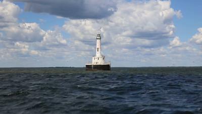 Green Bay Harbor Lighthouse Sounding Off