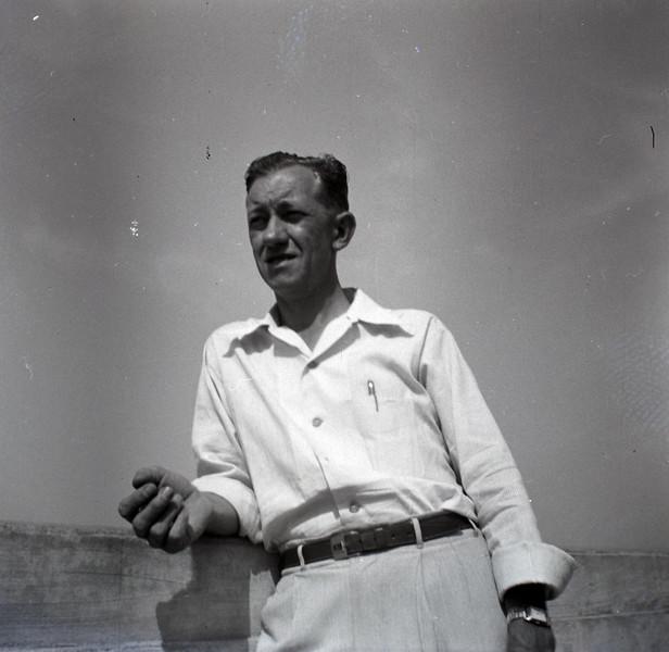 1940s-D10-31