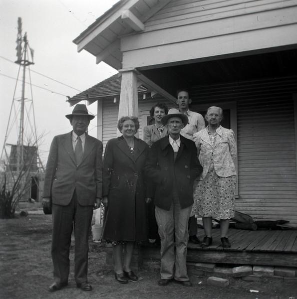 1940s-D10-13