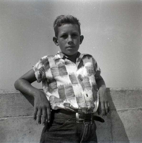 1940s-D10-25