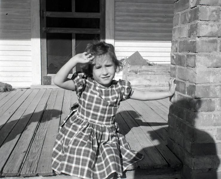 1940s-D10-15