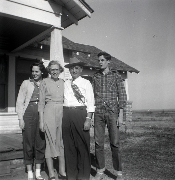 1940s-D10-14