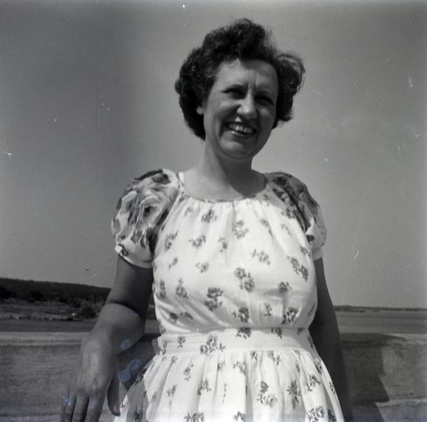 1940s-D10-29