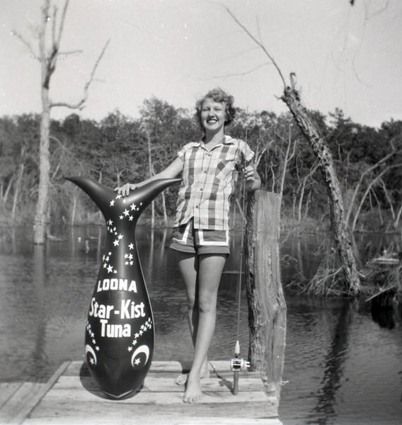 1940s-D10-23