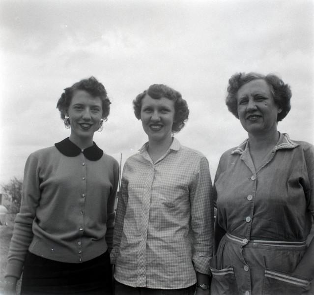 1940s-D10-43