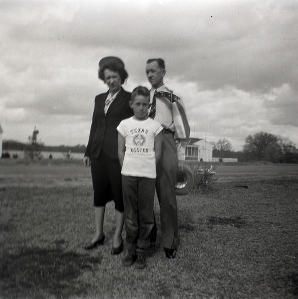 1940s-D10-07